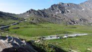 il parcheggio del Refuge Agnel e il Colle dell'Agnello (15-7-2012)