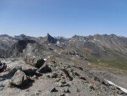 Panorama dalla cima di Punta dell'Alp. A sinistra Rocca Bianca, a destra spicca il Roc della Niera
