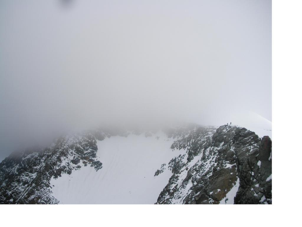 Il Gross Glockner dalla Erz-Johann-hutte ..celato nelle nuvole...