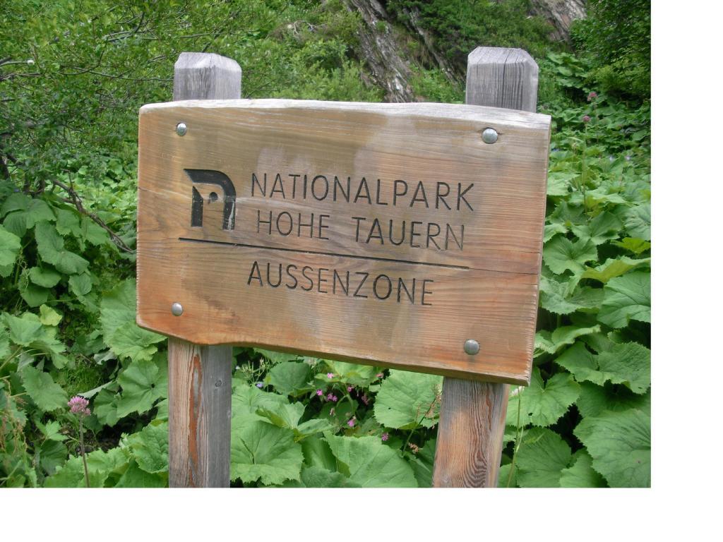 La targa del parco...