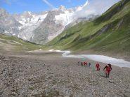 In salita verso il Col du Ban Darrey