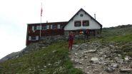 l'arrivo alla Turtmann Hutte m. 2519 (21-7-2012)