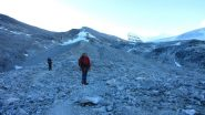risalendo lungo la morena del Brunegg Gletscher (22-7-2012)