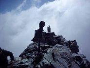 Cima, con le nebbie che salgono dal pian della Mussa