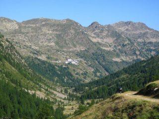 In cammino verso il Santuario di Sant'Anna di Vinadio