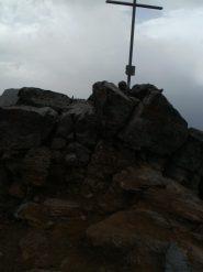Croce di vetta nel temporale...il fotografo aveva fretta!