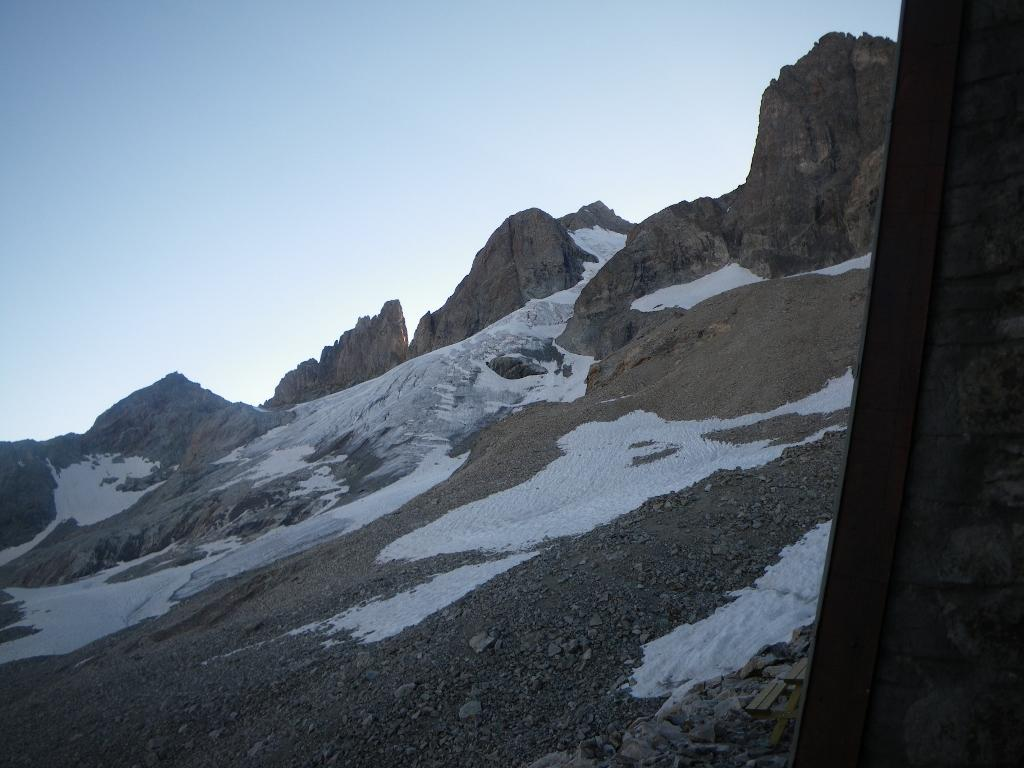 La punta , la più alta un po' spostata a destra, dal rifugio Planchard