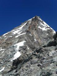 La cresta dalla sella nevosa