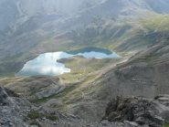 Lago e casermetta oltre il colle della Scaletta