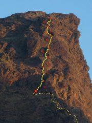 La Rossa, parete sud-est, percorso della via