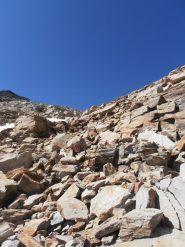 26 - risalita su blocchi di roccia abbastanza stabili per il Colle dell'Agnello Sud