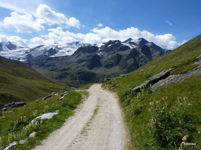all'inizio della Val Cedec