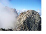 In primo piano la Cima del Gelas di Lourousa e la Nord dell'Argentera nelle nebbie ..dal M.Stella