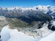 uno sguardo a Zermatt (che raggiungeremo alle 22:00) dalla Wellenkuppe