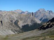 Guglia di Mezzodì al centro, con Thabor, gruppo dei Magi e Rocca Bernauda sullo sfondo