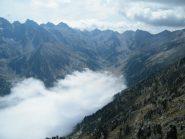 mare di nebbia in basso