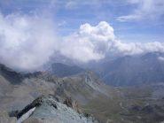 raggiunto il colle,vista sul vallone del rifugio Sella....