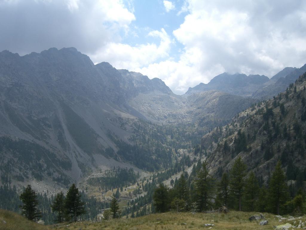 scendendo verso Casterino il vallone di Valmasque