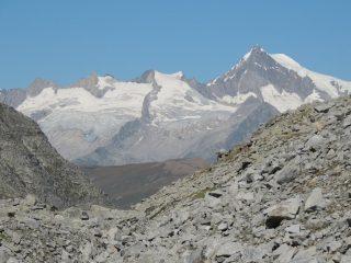 al colle Cornera zoom verso la Svizzera