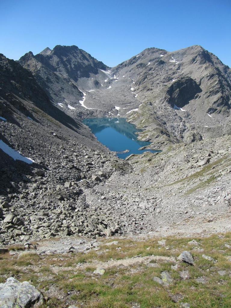 Lago e colle a sud visibile dalla cima