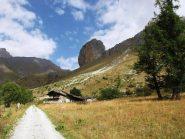 la rocca dal sentiero