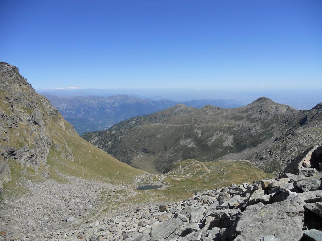Vista dal passo Cialancia (sullo sfondo il Rosa innevato)