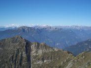 Panorama  (in basso la cresta Pizzo Verde - Moriscioi