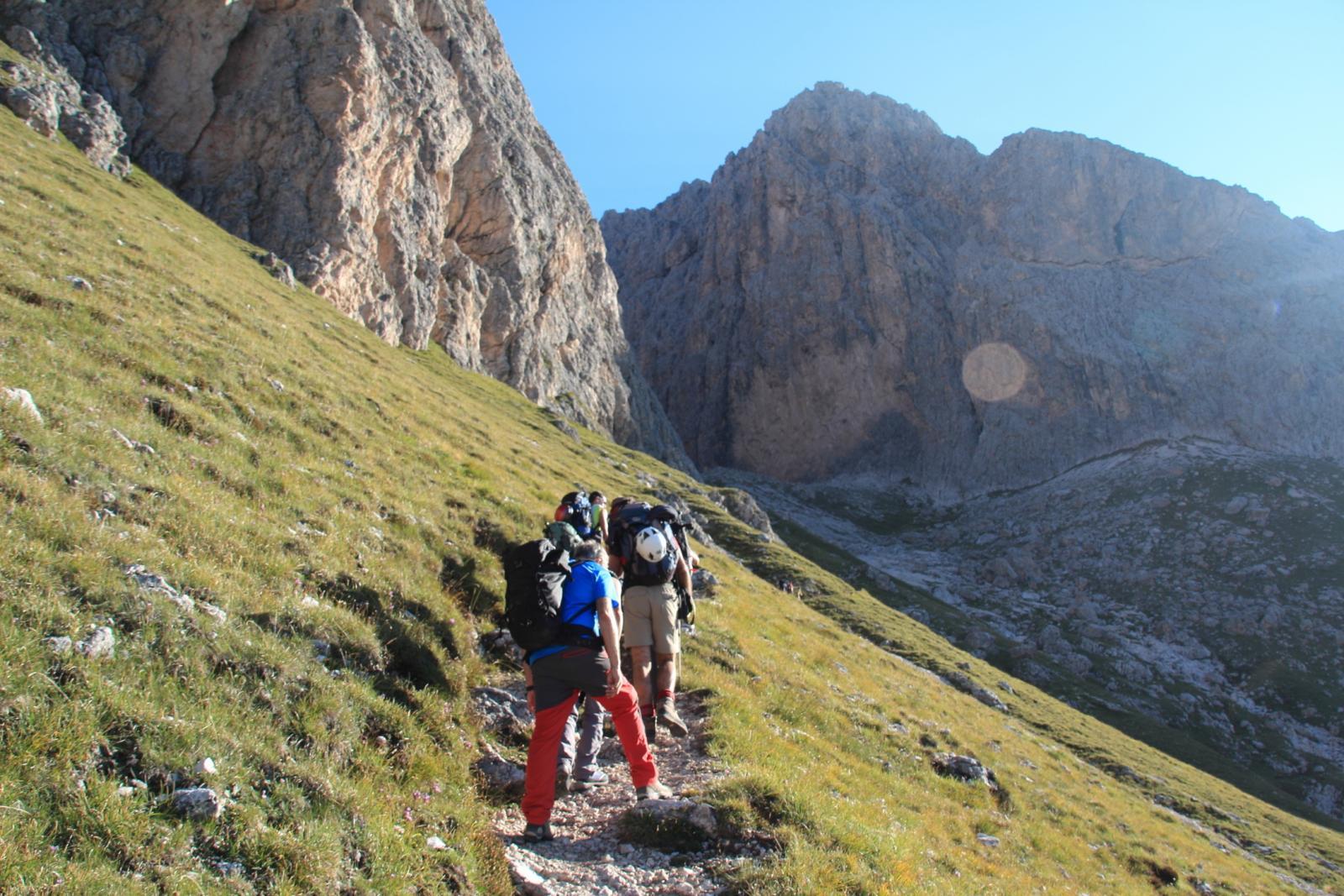 salendo verso l'inizio della Val Salieres (8-9-2012)