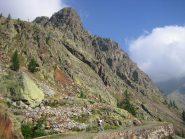 la strada militare che sale ai laghi di Valscura