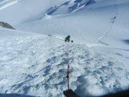 Corda fissa su pendio ghiacciato dal Col du Mont Maudit
