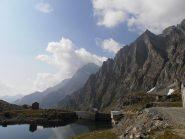 03 - Lago dietro la Torre con Monte Lera a sx e Cresta dei Cugni a dx