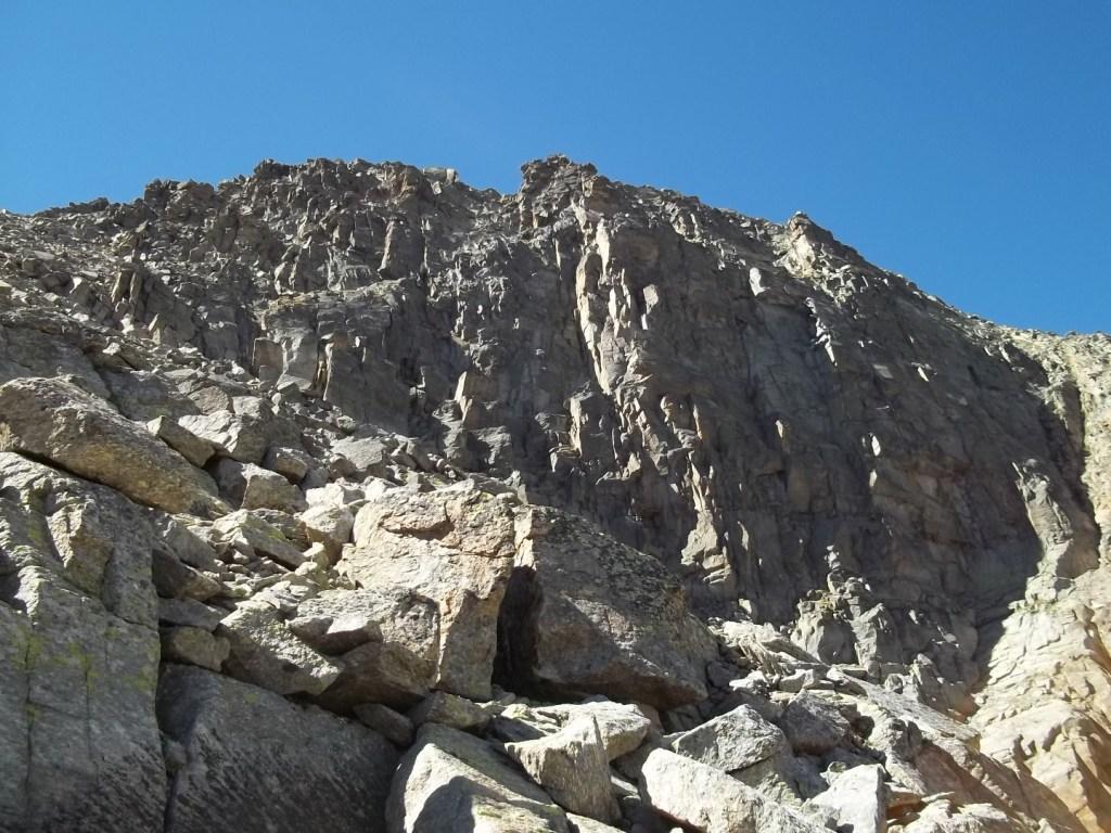 passando sotto la bastionata tra la Piccola e la Torre