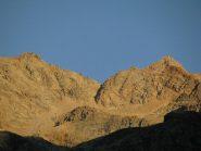 Primo sole su Punta di Forzo e Grande Arolla