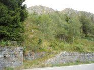 punto di partenza del sentiero che porta all'attacco della via