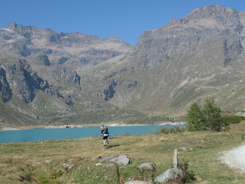 Il lago di Cignana