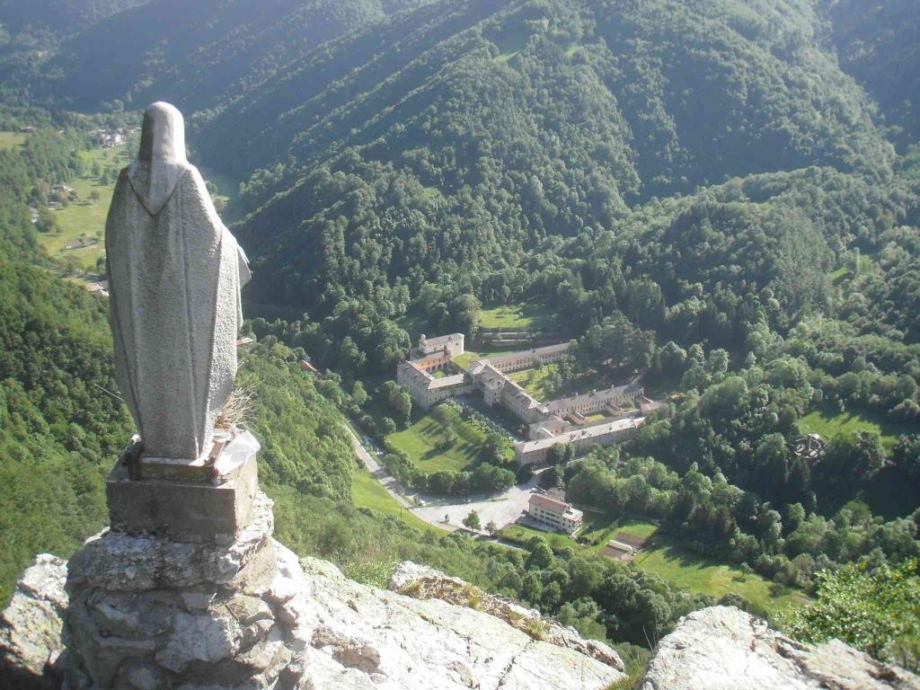 La Certosa di Pesio dalla croce del frate