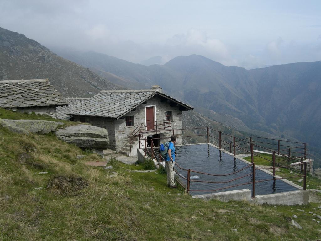 Vasca di pietra all'Alpe Colletto