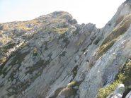 Tratto roccioso della cresta di discesa dal Roux