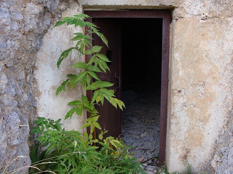 l'ingresso di uno dei due grossi buncher che si trovano sul sentiero