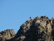 zoom sulla Punta  Ciamberline, si vedono Klaus e la croce di vetta