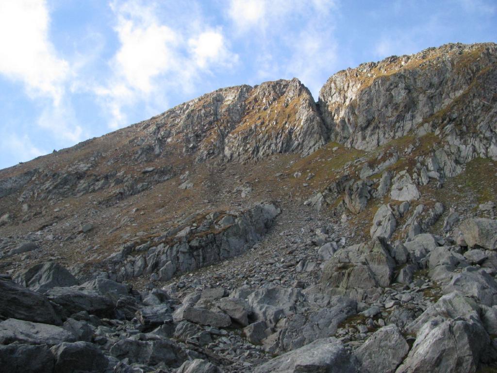 Dorsale del Mont Fendù o Fendìi (monte tagliato da un fendente)
