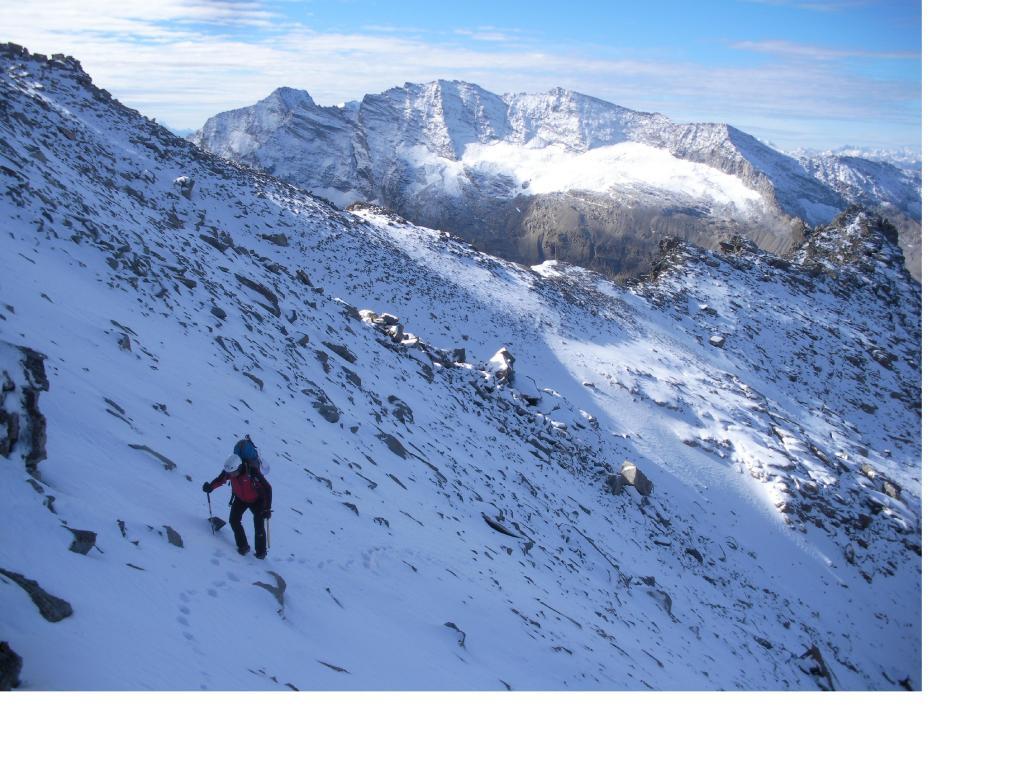 Prime nevicate d'autunno..sullo sfondo delle Levanne.