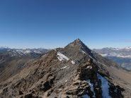 03 - la cresta che separa la Punta S.Michele dalla Cresta S.Michele, sullo sfondo il Pierre Menue