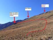 04 - poco sotto il pannello indicatore, ci si allontana dal sentiero per il colle d'Etiache per raggiungere la traccia che prosegue verso la Crsta S.Michele