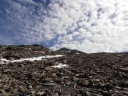 12 - salita verso la Cresta S.Michele, seguire fedelmente l'ampia cresta, presente qualche ometto di pietra