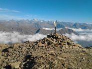 vetta del Monte Rosso. Monumento allo sciatore