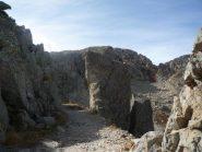 particolari lungo la Strada Militare per il Col du Lausfer