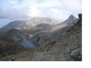 Il lago Cornuto con al centro il M.Grimon e a dx la Torretta..