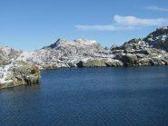 Lago Liamau con Debat e Vailet sullo sfondo