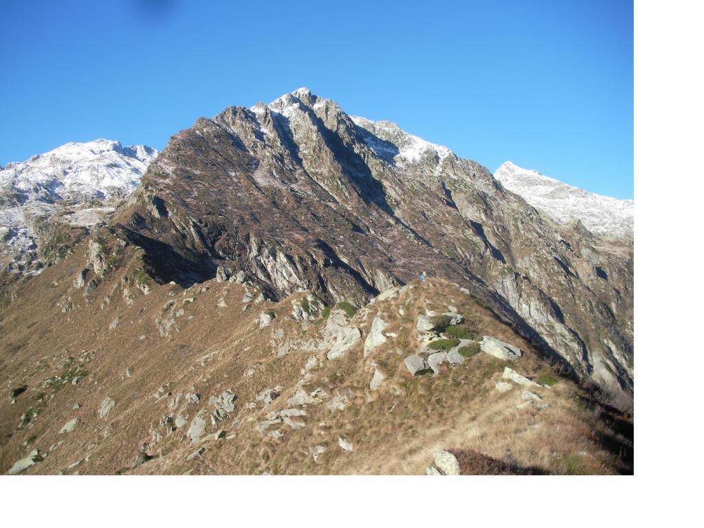 La Punta di Mariasco con la cresta di salita..
